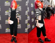 Love me some Hayley! she looks grunge-gorgeous sporting a black & white look