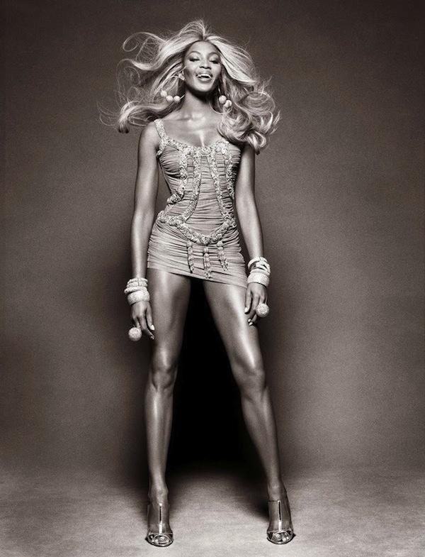 Naomi-Campbell-Vogue-Brazil-May-2013-02