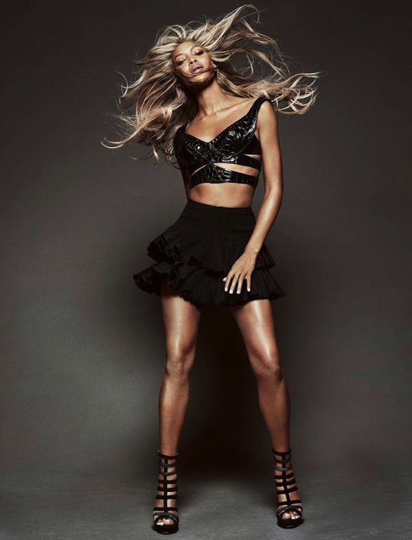 Naomi-Campbell-Vogue-Brazil-May-2013-07