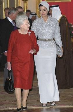 The Queen Sheikha Mozah Bint Nasser Al Missned Miyoshifashion